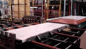 Производственное оборудование для изготовления металлических дверей
